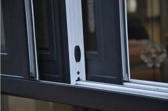 铝合金门窗十大品比思特莱斯特(断桥)推拉窗系列